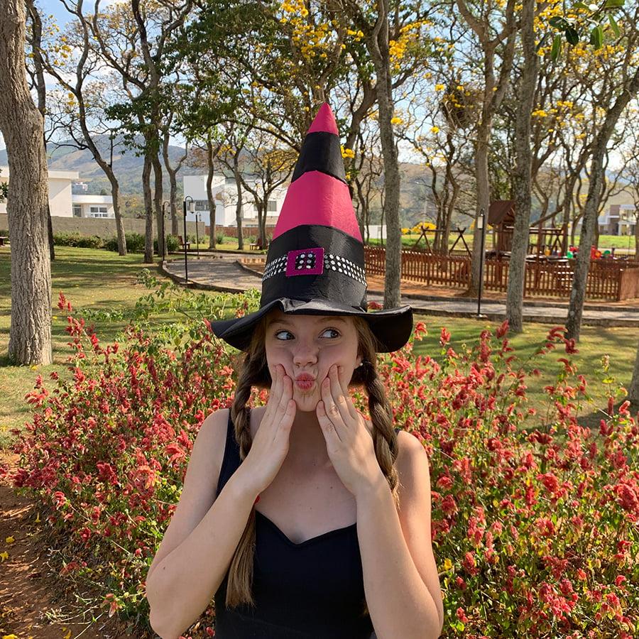Chapéu de Bruxa Bicolor com Fivela Rosa