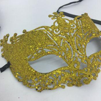 Máscara com Glitter Dourada