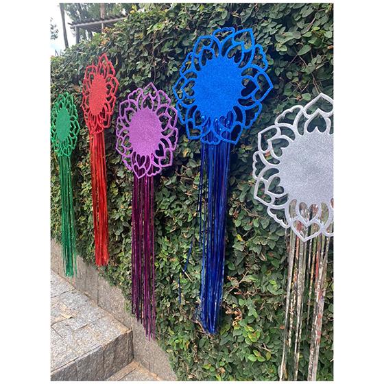 Decoração de Parede Mandala EVA com Glitter e Fios Metalizados Vermelha
