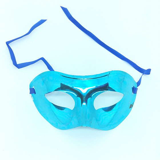Máscara Metalizada Azul Claro