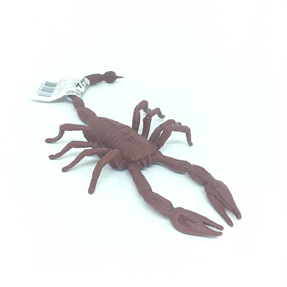 Escorpião de Borracha Marrom